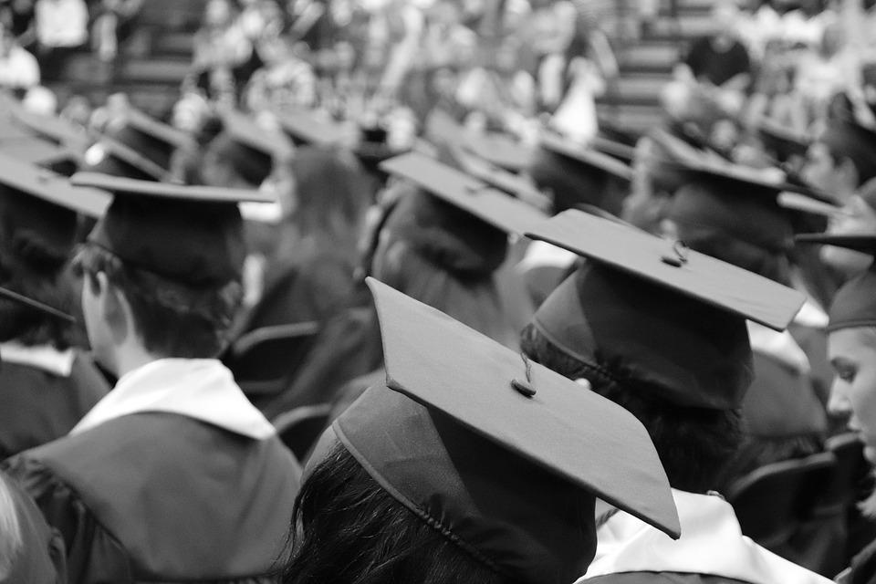 graduation-cap-3430714_960_720