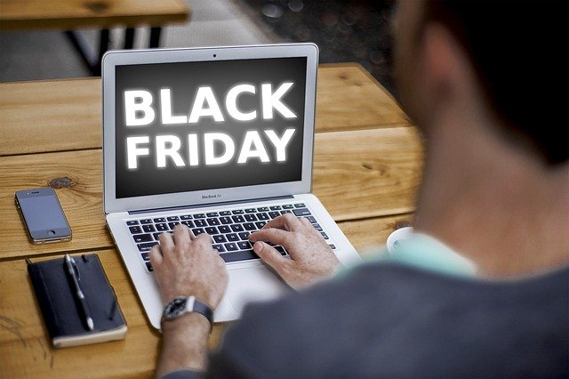 black-friday-4645768_640
